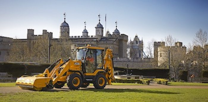 CASE STUDY: JCB 3CX Compact   Industrial Vehicle Technology