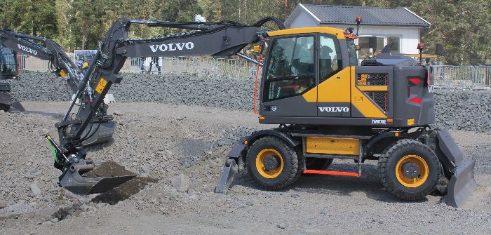 Volvo CE marks 60 years of live demos