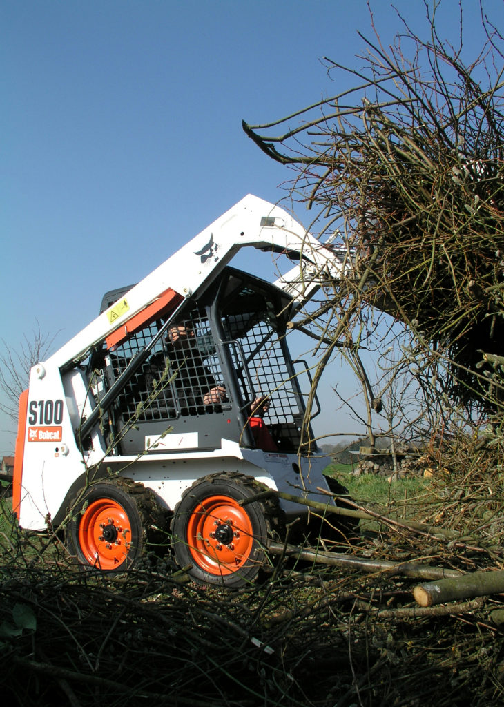 Bobcat launches cleaner skid-steer loader