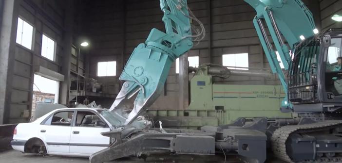 Kobelco's metal dismantlers in action