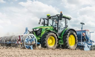 John Deere ups connectivity in its tractors