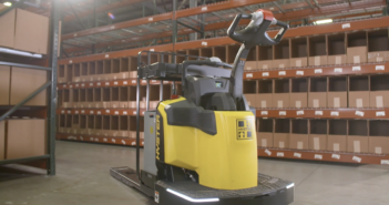 New safety features and precision control in Hyster End Rider