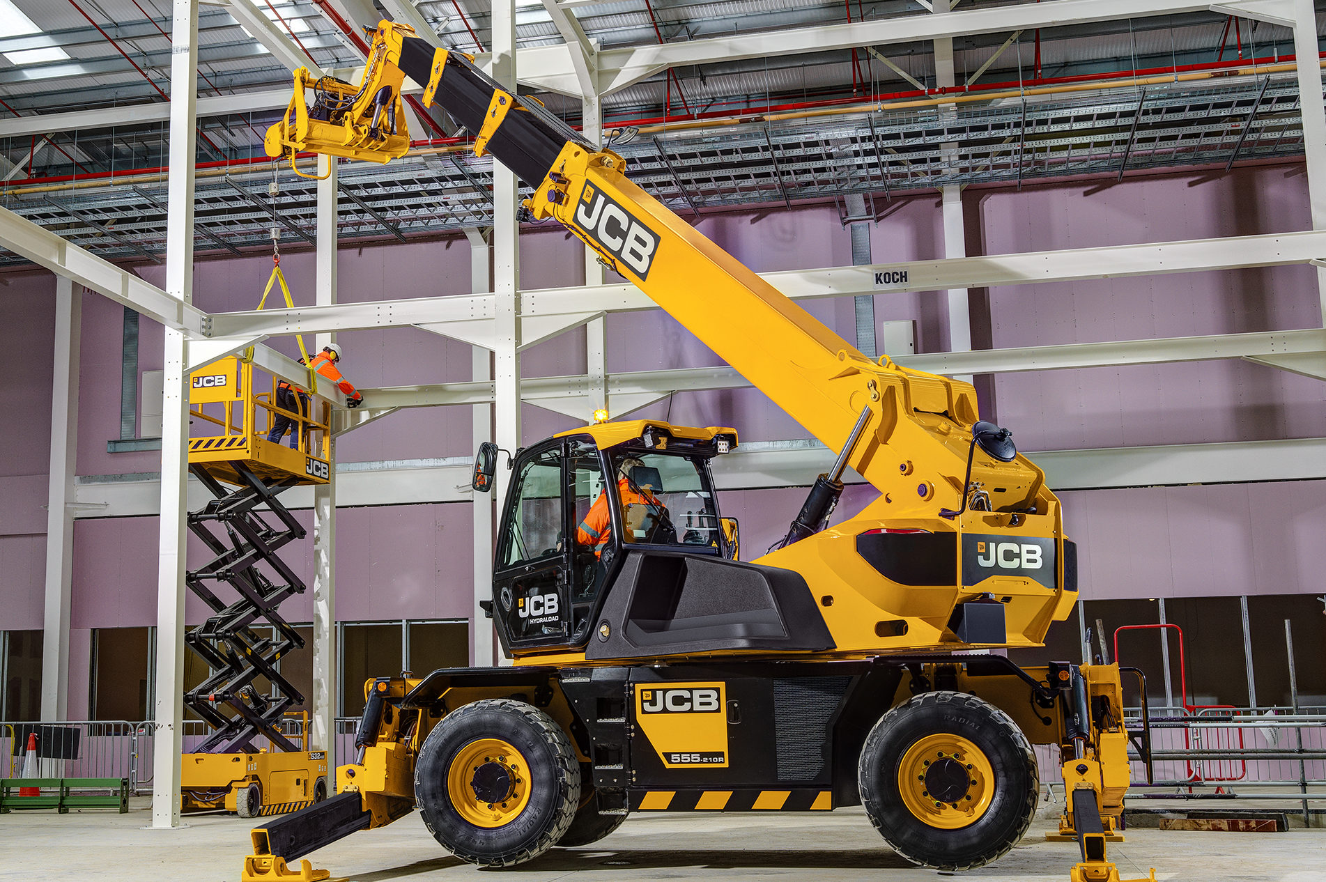 EXCLUSIVE: JCB's first rotating telehandler heads up its new