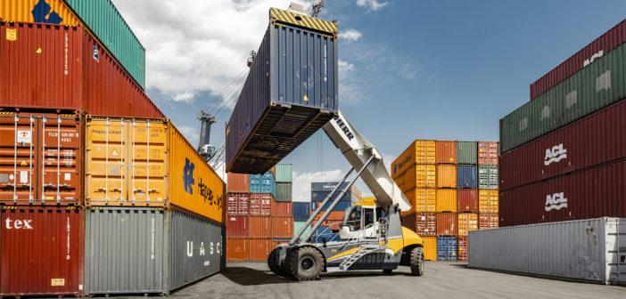Liebherr reachstacker wins major tenders in the Americas