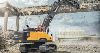 Straight boom transforms Volvo EC380E into demolition tool